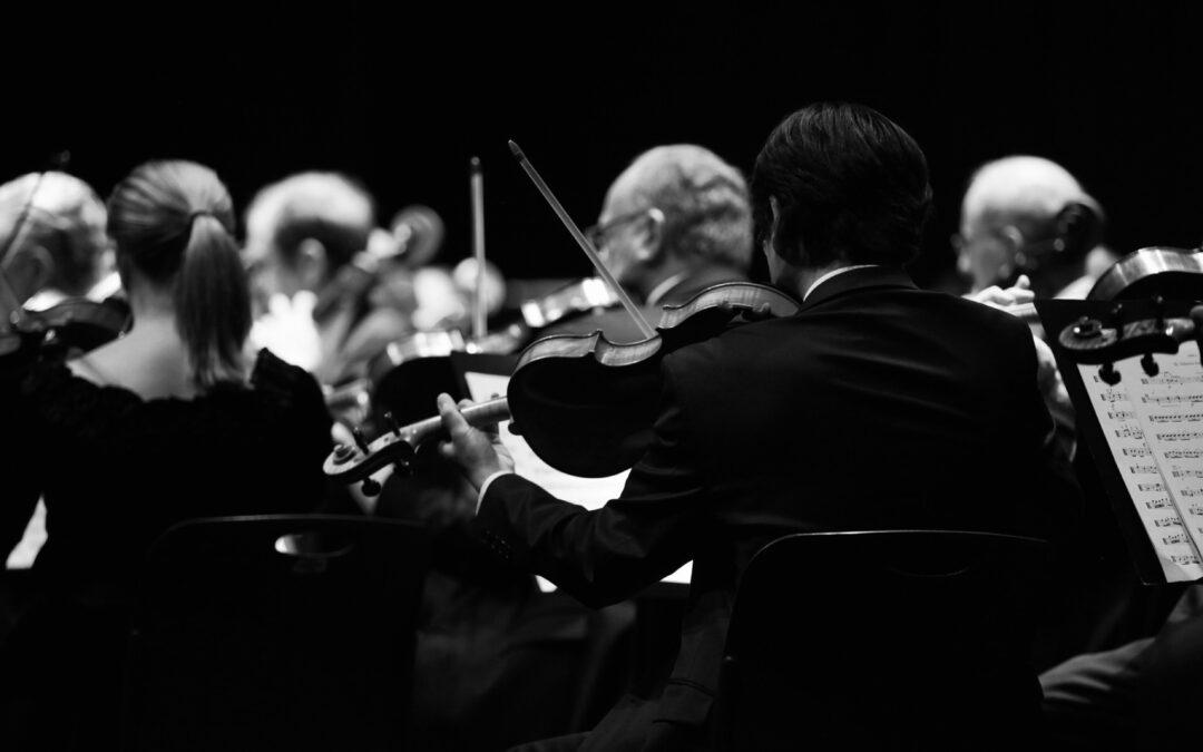 La orquesta sinfónica, un mundo de paradojas.